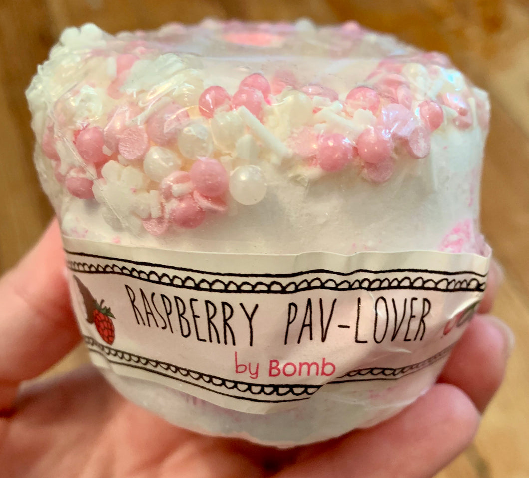 Raspberry Pav Lover Bath Bomb
