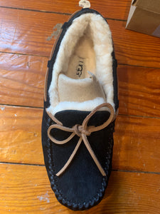Ugg Slippers Dakota Black in Size 7