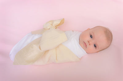 Silk Bow Swaddle <sup>&reg;</sup> - Pearl Strand Silk