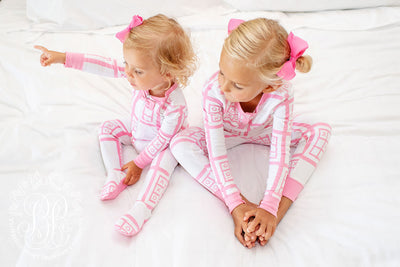 Sara Jane's Sweet Dream Set - X's & O's with Hamptons Hot Pink