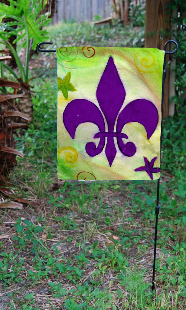 Purple and green fleur de lis garden flag – Art Gifts by the Beach