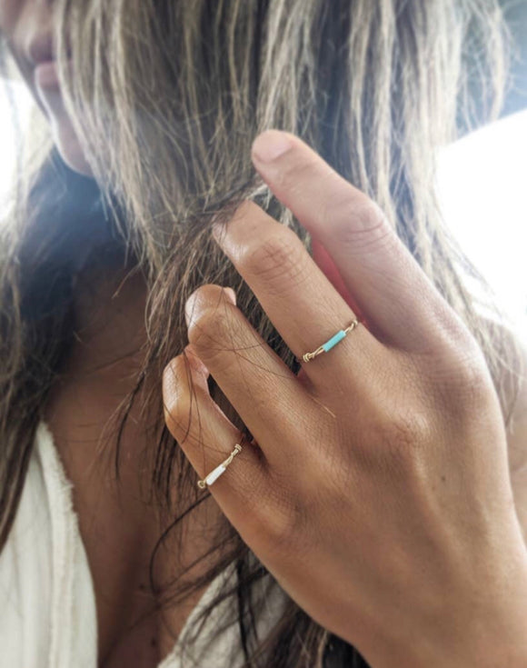 Skinny Bar Ring white
