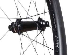 <h1>PILLAR WING SPOKES </h1><i>After considerable testing across multiple spoke types (including analysis against competitor spokes), we found that the aerofoil profile of Pillar's Wing 20 spokes offer even further aerodynamic advantages over flat/bladed options.</i>
