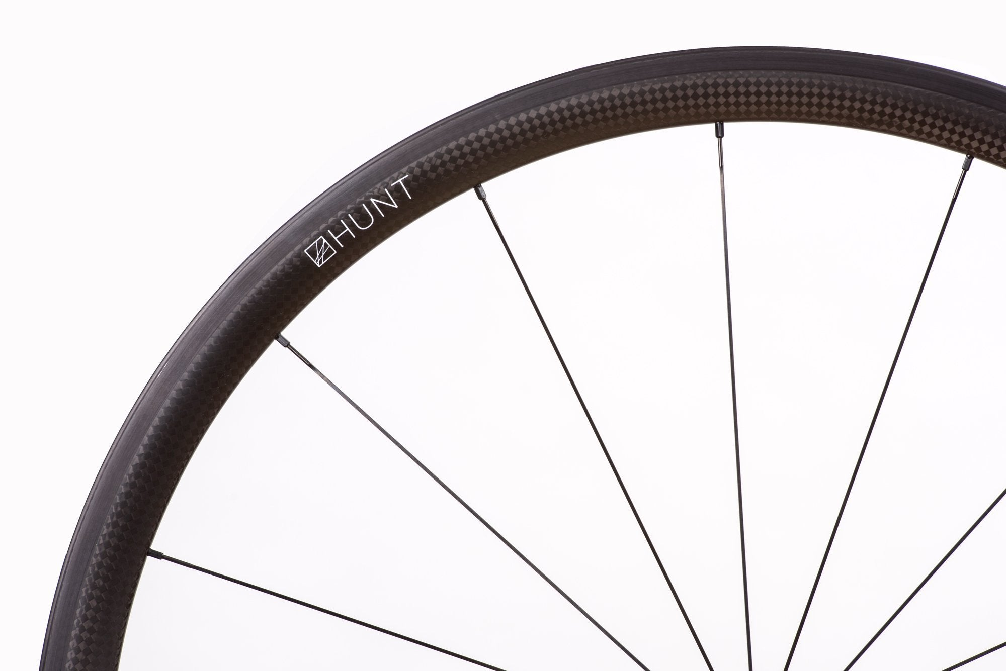 <h1>Spokes</h1><i>We chose the top-of-the-range Pillar Spoke Megalite Bladed models. These butted blade aero spokes are lighter and provide a greater degree of elasticity to maintain tensions longer and add fatigue resistance. PSR spokes feature the 2.2 width at the head providing more material in this high stress area. Nipples are 14mm alloy, anodized and come with a hex head so you can achieve precise tensioning. Combining components well is key which is why all Hunt wheels are hand-built.</i>