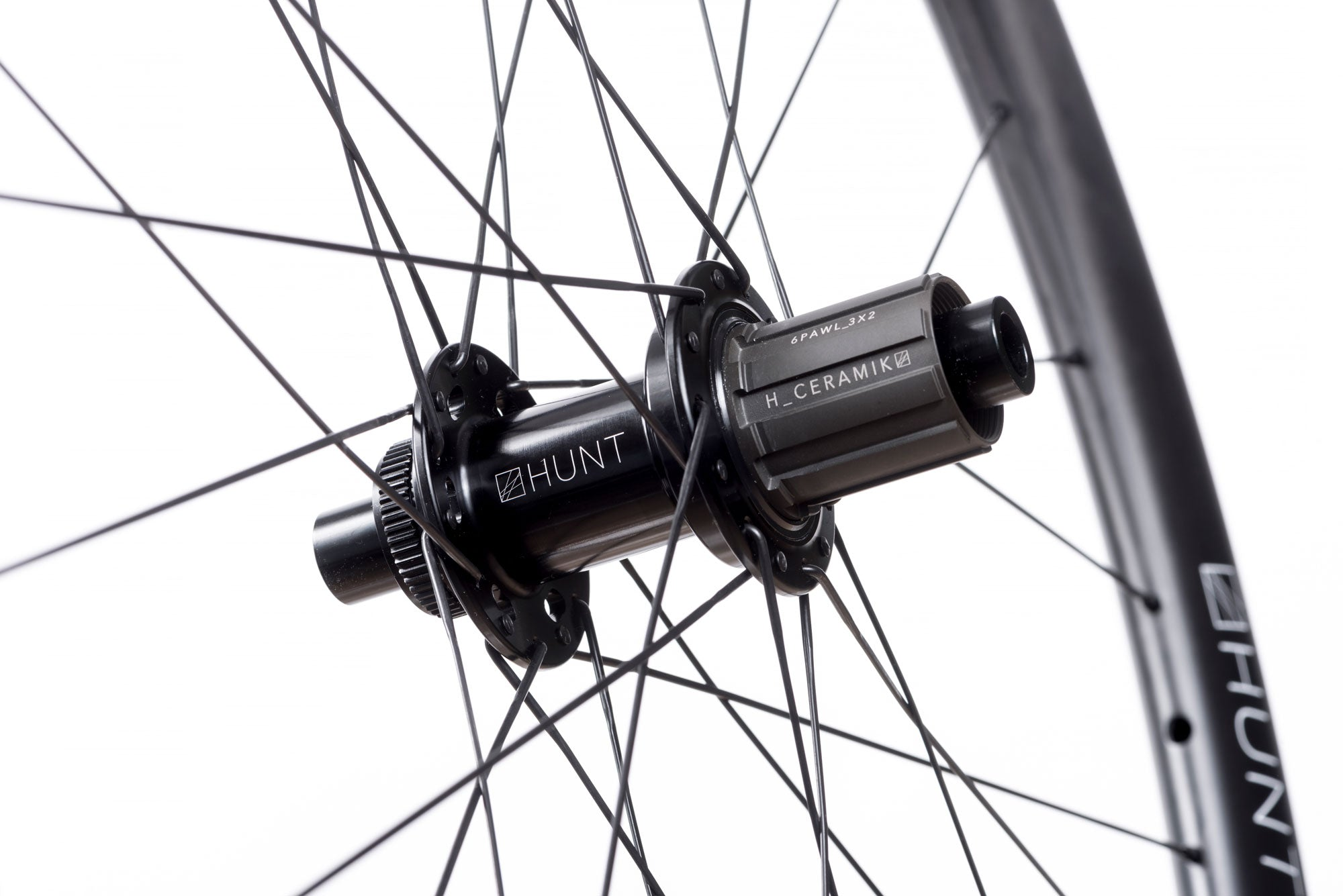 <h1>FREEHUB BODY</h1><i> Durability is a theme for HUNT as time and money you spend fixing is time and money you cannot spend riding or upgrading your bikes. As a result, we've developed the H_CERAMIK coating to provide excellent durability and protect against cassette sprocket damage often seen on standard alloy freehub bodies.</i>