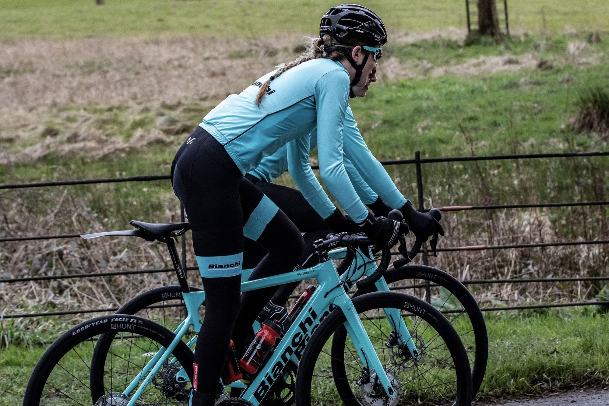 <h1>Bianchi Dama</h1><i>Bianchi Dama returning for a 2nd year as a Hunt supported team. Favouring the 50 Carbon Aero Disc to bring them to the podium.</i>