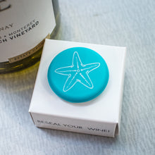 Load image into Gallery viewer, CapaBunga Wine Bottle Cap - Starfish