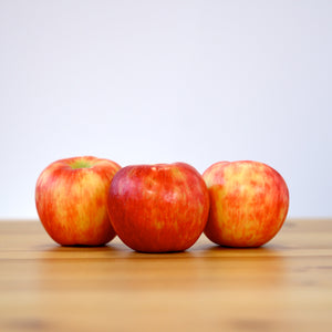 Apples, Honeycrisp (Each)