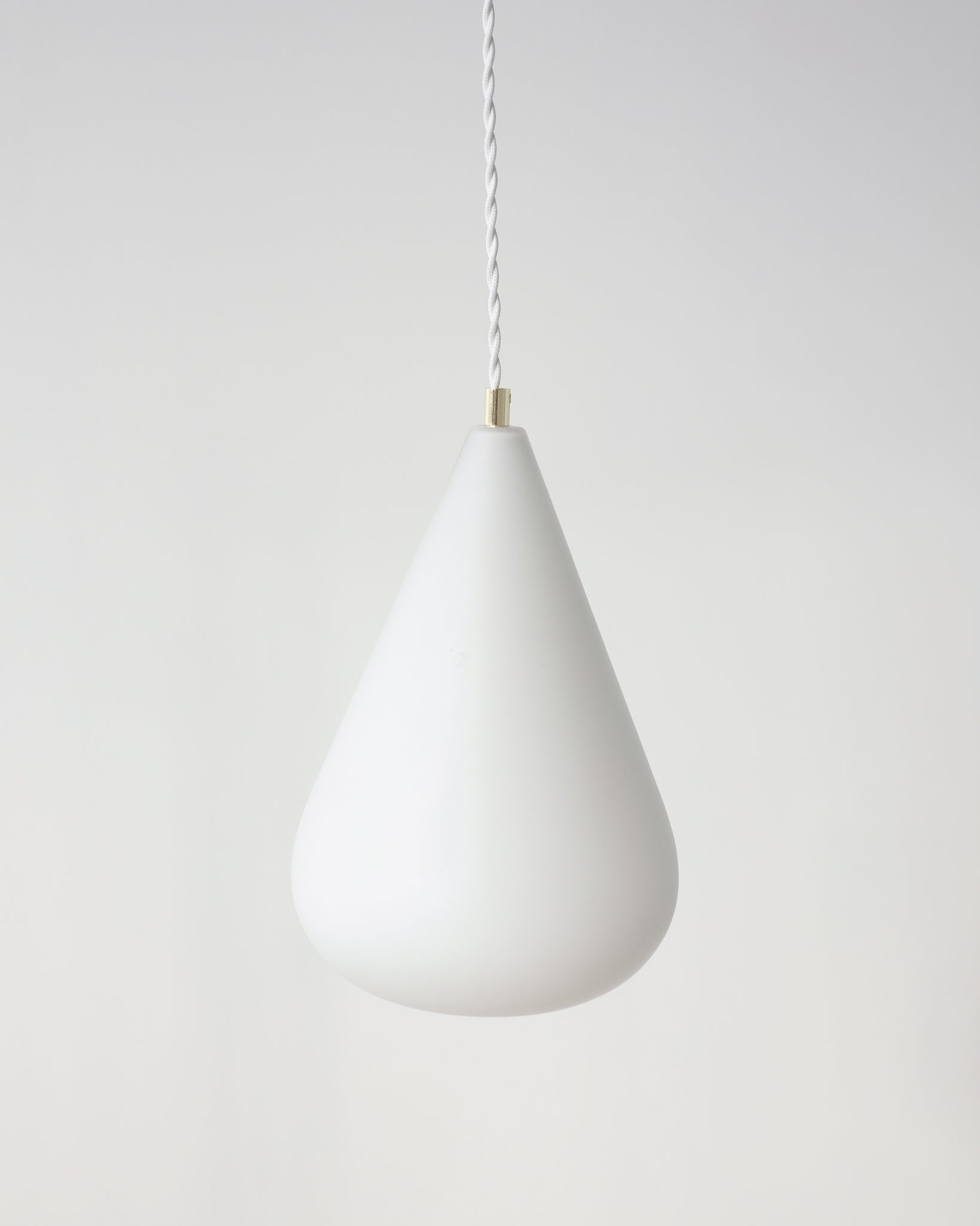 Grande suspension en opaline