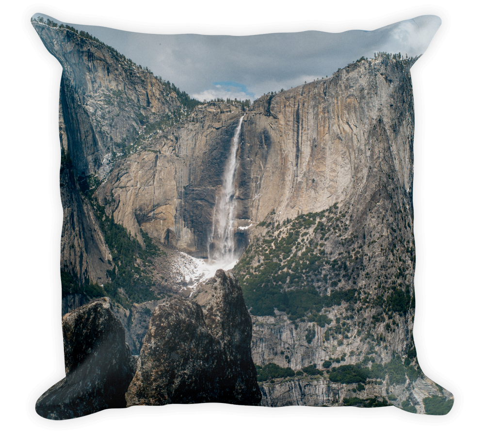 Decorative Throw Pillow / Yosemite Valley Waterfall - Cal31.com