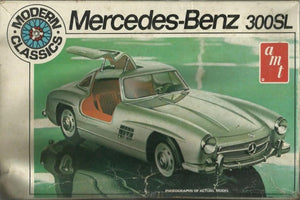 AMT Modern Classics Mercedes-Benz 300SL Model Kit, 1:25 Scale, Part No. T412