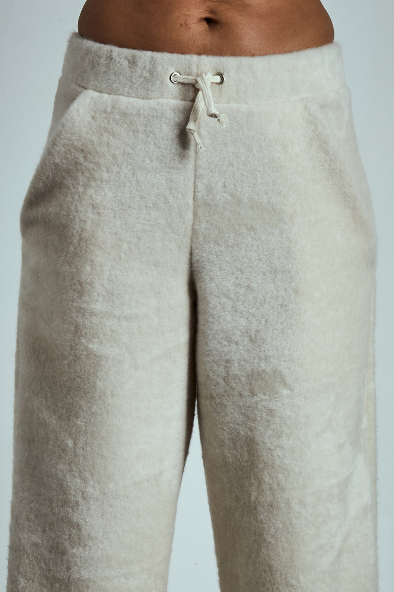 SOFT SIDE CREAM FLEECE SWEATPANTS