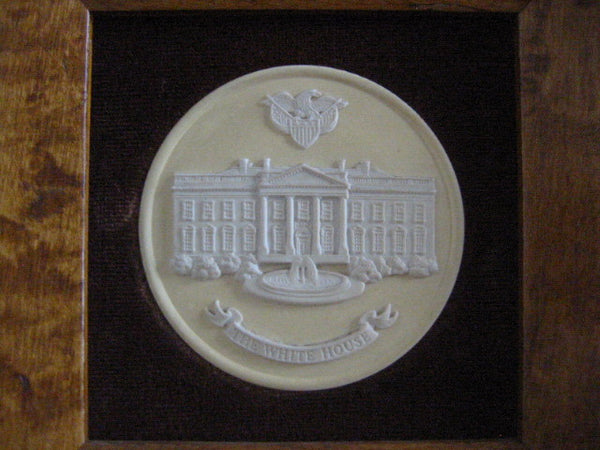 The White House Wedgwood Collector Society England Medallion Cameo Icon - Designer Unique Finds   - 2