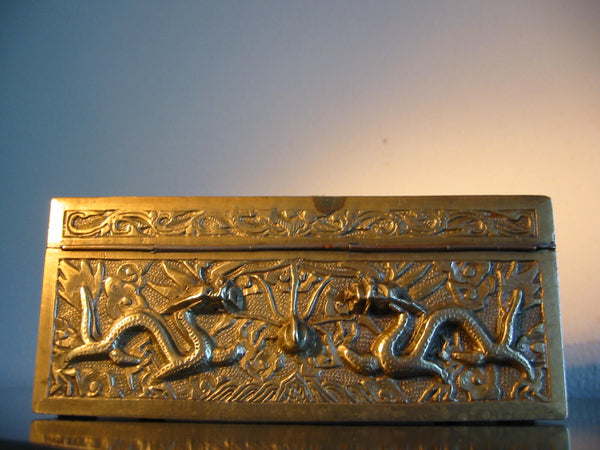 Chinese Brass Humidor Box Early 20th Century Period Flying Dragons Sandalwood Lined - Designer Unique Finds   - 4