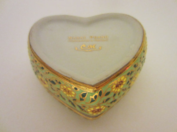 Gold Porcelain Heart Jewelry Box Narai Phand Hand Painted In Thailand Floral Enameling - Designer Unique Finds   - 2