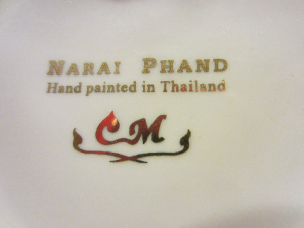 Gold Porcelain Heart Jewelry Box Narai Phand Hand Painted In Thailand Floral Enameling - Designer Unique Finds   - 4