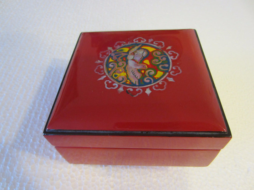 Flying Bird Medallion Asian Red Lacquered Jewelry Box Decorated Mother Of Pearl - Designer Unique Finds   - 1