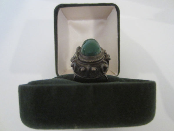 JE Sterling Cocktail Ring With Green Stone Over Compartment All Marked