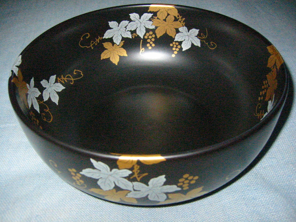 Japan Black Ceramic Bowl Painted Gold Silver Grapevines Artist Signed - Designer Unique Finds