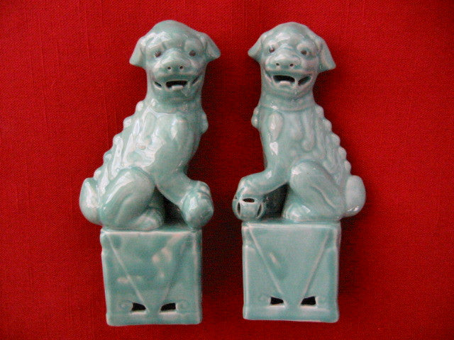 Asian Green Ceramic Glazed Lions Foo Dogs In Pair - Designer Unique Finds
