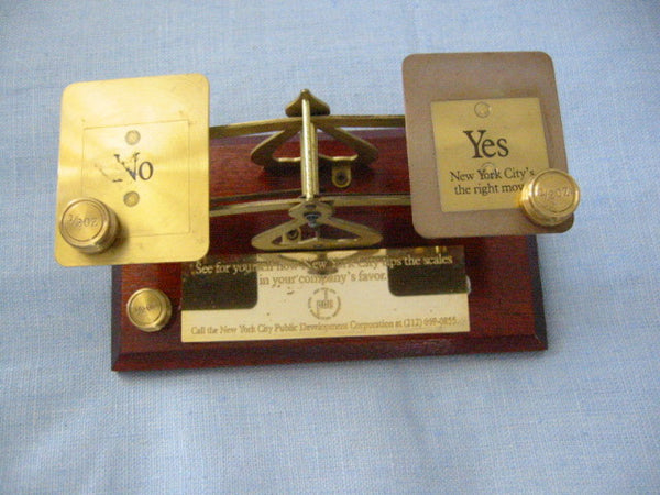 English Mahogany Brass Scale New York City PDC - Designer Unique Finds   - 3