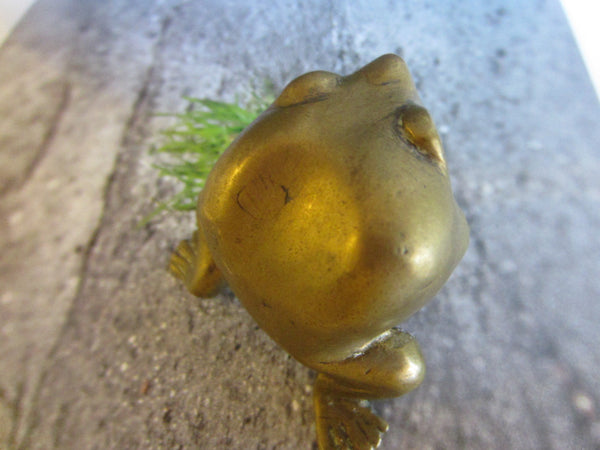 Brass Metal Art Frog Beady Eyes