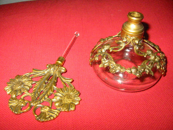 Ormolu Filigree Over Glass Daisies Perfume Bottles Matson Style - Designer Unique Finds   - 2