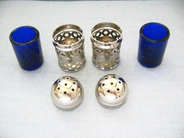 Apex English Silver Plate Filigree Cased Glass Salt Pepper Shakers - Designer Unique Finds   - 2