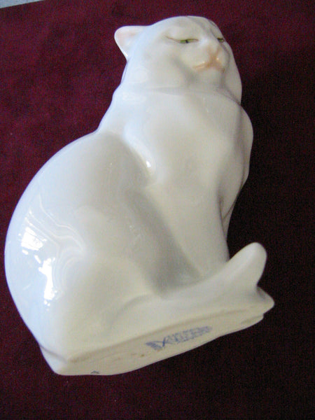 Herend Cat Figurine Hand Painted Signed Porcelain - Designer Unique Finds   - 4