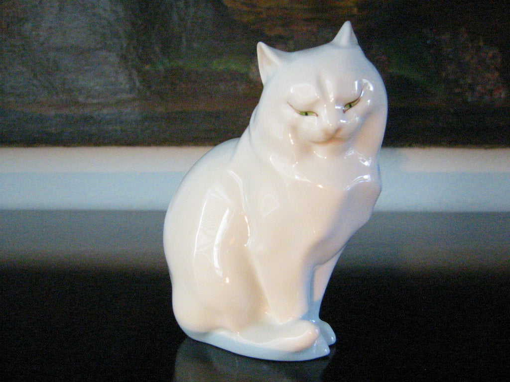 Herend Cat Figurine Hand Painted Signed Porcelain - Designer Unique Finds   - 1
