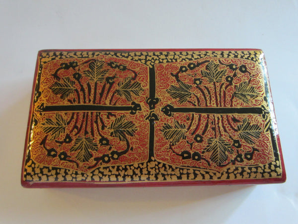 Red Lacquered Box Hand Decorated Gold Accent - Designer Unique Finds   - 3