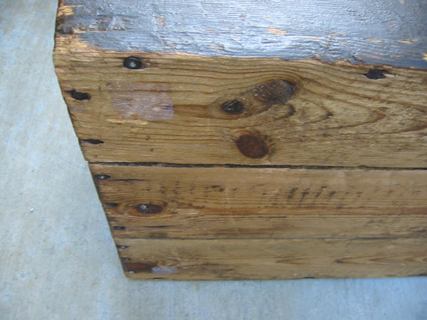 Primitive Wood Blanket Chest Metal Heart Padlock American Trunk - Designer Unique Finds   - 10