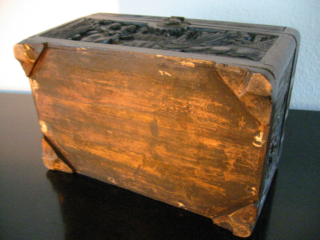 A Hand Carved Chinese Storyteller Decorative Box Numbered