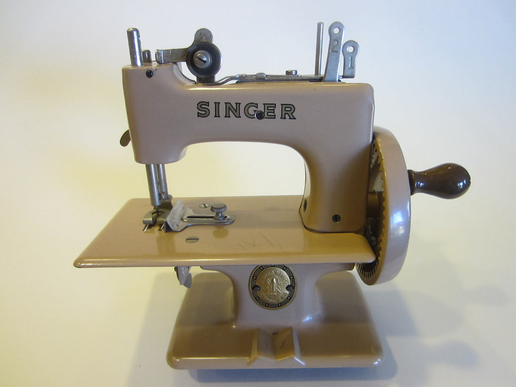 Singer Great Britain Tan Metal Mini Sewing Machine - Designer Unique Finds