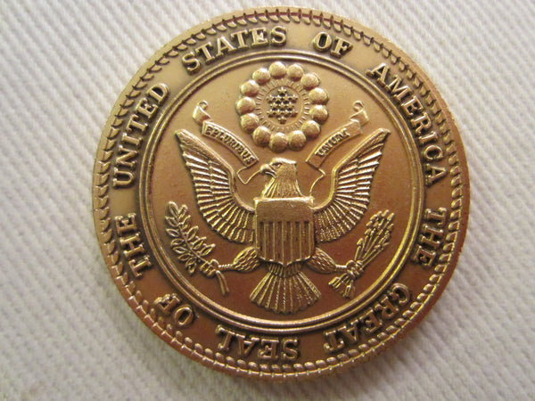 A Golden Medal Spirit of 76 The Great Seal Collectible Coin