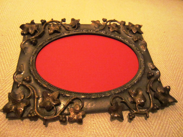 Art Deco Bronze Photo Frame Decorated Grape Vines - Designer Unique Finds   - 1