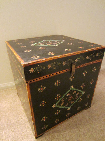 Modern Black Composition Square Chest Floral Carving Medallions - Designer Unique Finds   - 3
