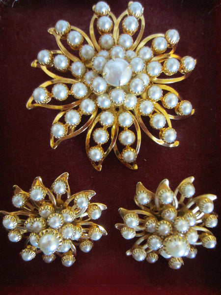 Judy Lee Starburst Brooch Clip On Earrings Signed Decorated Pearls - Designer Unique Finds   - 3