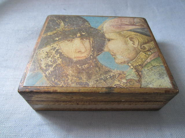 Romantic Portraits Florentine Tole Gilt Wood Box Made in Italy - Designer Unique Finds