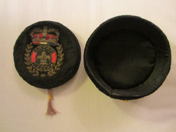 Black Velvet Jewelry Box Embroidered Gold Wires Coat of Arm Tassel - Designer Unique Finds   - 2