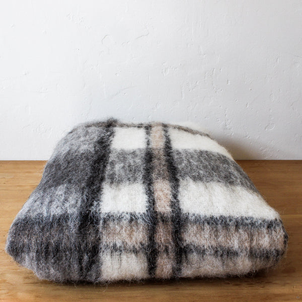 Throw Brushed - Grey Check