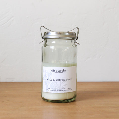 Lily & White Rose N° 20 Candle