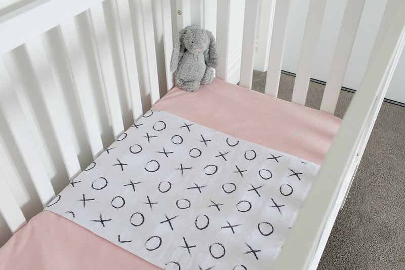 Brolly Sheets: Cot Pad with Wings - Hugs and Kisses
