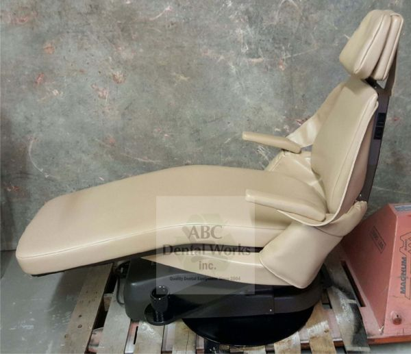 Royal Model 16P Dental Chair Semi Refurbished with Post Mount