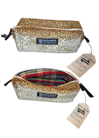 Equillibrium Accessories: Dopp Toiletry Bag