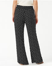 Load image into Gallery viewer, Tommy Bahama Delhi Ditzy Smocking Pant