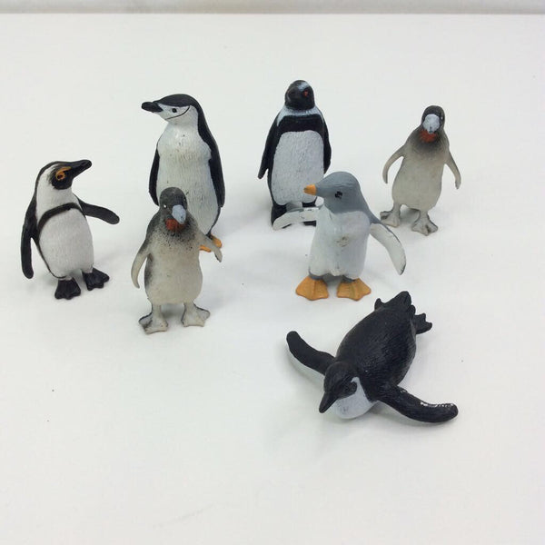 Plastic Penguins 7pc