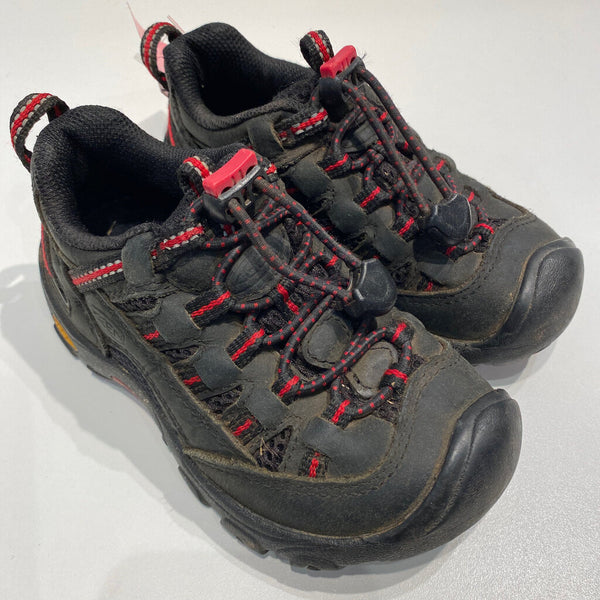 black w/red details keen hiking shoes 9T