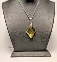 Load image into Gallery viewer, Citrine Pendant/ Pineapple Cut