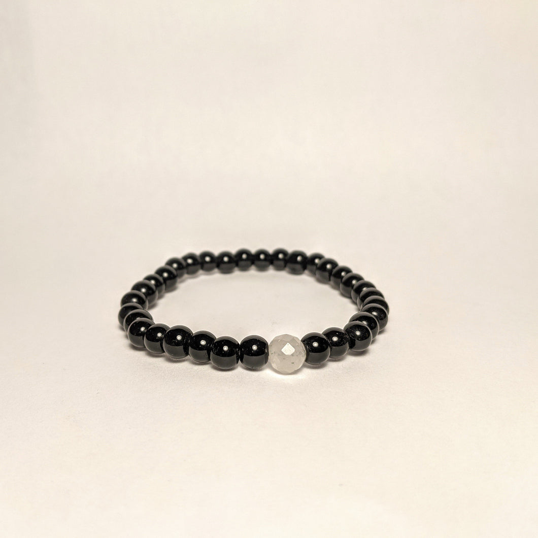 Onyx bracelet with One Rose Quartz / your love stone